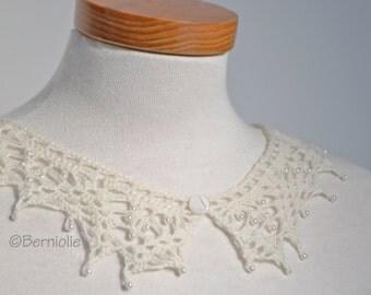 Lace crochet collar, Ivory alpaca, P412
