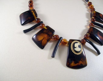 Josephine necklace from Radiant Inspiration collection YD-152N