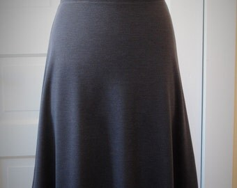 Jersey Knit Skirt - Charcoal / Pewter - Size Large