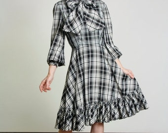 ON SALE 1950s Plaid Dress Black & White with Bow