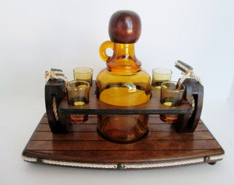 Amber Glass Decanter Nautical Rope Bar Vintage Wood Block and Tack Ships Rope Pulley Set Shot Glasses Wood Stand with metal clevis handles