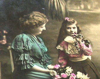 1900s French postcard, Mother & daughter RPPC paper ephemera. Real photo.