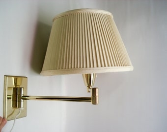 Vintage wall mounted light fixture with shade - brass tones