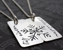 Sisters Necklace Set - Big Sister Little Sister Jewelry - Snowflake Necklaces in Sterling Silver - Frozen Snowflake - Sisters Gift Set