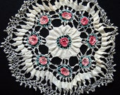 Vintage hand crochet lace doily with pink roses - 15 inch diameter
