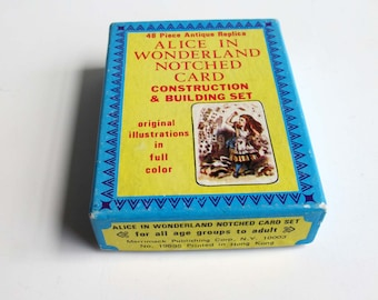 ALICE IN WONDERLAND Notched Card Game Illustrated by Sir John Tenniel, Merrimack Publishing Company, Vintage Storybook Playing Cards