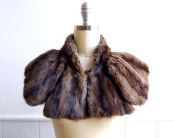 1930s Brown Butterfly Wing Fur Collar