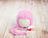 baby love bug hat // newborn photo prop // multiple sizes // luv bug // valentine hat // baby girl  hat // removable clip