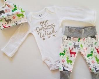 Christmas Baby Boy Newborn Take Home Outfit. Reindeer. Snowflakes. Stars.  Leggings. Bring Home Baby Outfit. Christmas Coming Home Outfit.