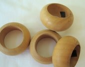 Napkin Rings, Set of 4 Round Hard Wood Napkin Rings, Blonde, Blond, Natural, Sturdy, Made in India, Thick Napkin Rings, Curved, Stylish