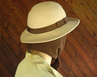 Beige Felt Driving Hat with Attached Scarf - Vtg 50s
