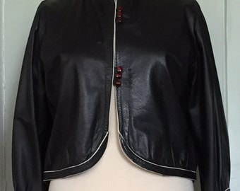 vtg 1980s black leather jacket cropped white piping size medium fits 8 10