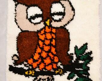 Kitsch Rustic Owl Latch Hook
