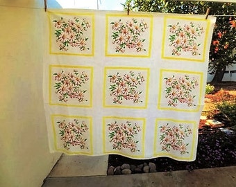 Vintage Tablecloth, Startex, Floral Tablecloth, Daisies, 1950s Tablecloth, Cottage, Mid Century, Cotton, Printed, Yellow and Brown, Retro