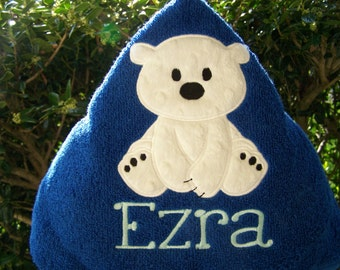 Personalized kids Hooded bath towel. baby polar bear. Beach towel. Hooded towel. Baby shower/birthday gift. Baby/toddler/child bath towel