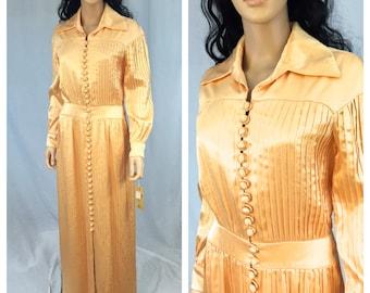 Vintage Peach Pleated Maxi Dress. Long Sleeve. Collar. 1970s. Orange. Medium. Long Dress. Under 50 Dresses. Unique Button Up Dress.