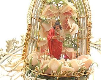 Retro Plastic Jesus Shrine Light Up Decoration Kitschy Religious Alter Shrine