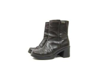 vintage 90s dark brown Boots chunky platform high heel ankle boots Preppy Goth Grunge Side Zipper Boots women's Size 9