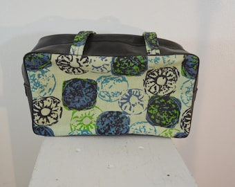 Vintage Overnight Toiletries Bag Vinyl with Handles Cute Travel Bag for Guys or Gals