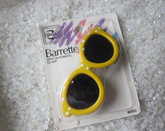 vintage barrette, bright yellow with white polka dots sunglasses ,on original card