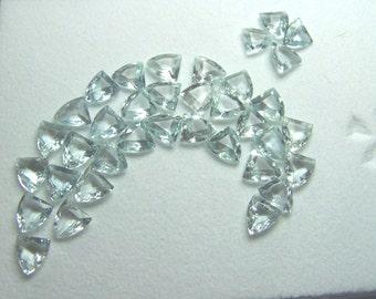 Aquamarine Gemstone - one genuine natural Blue Beryl faceted gem - calibrated 5 mm  - high end gemstone AAA triangle 1 at random small K93K