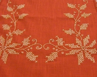 Vintage Christmas Table Runner, Red Table Runner, Red Christmas, Vintage Christmas, Poinsettia Holly Berries, Table Runner with Embroidery