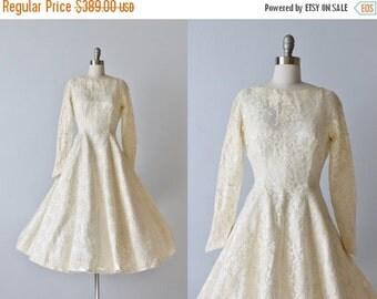 SALE 1950s Lace Tea Length Wedding Dress Gown / Princess Seams / Lace /   Long Sleeves / Sara