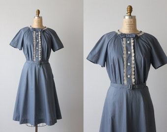 Blue 1950s Dress / 50s Shirtwaist Dress / Casual Dress / Short Sleeves / Bow Ties and Lace