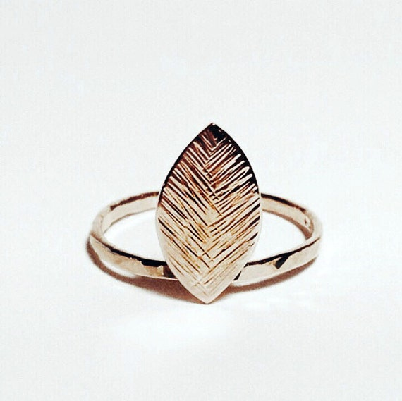 14K Gold Delicate Leaf Ring