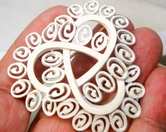 Trifari White Enamel Brooch, 1960s, Unused Signed On the Back, Curly Mod Geometry, Fem Space Race Atomic Elements Design