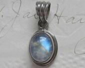 Vintage Sterling Silver Labradorite hand made Pendant