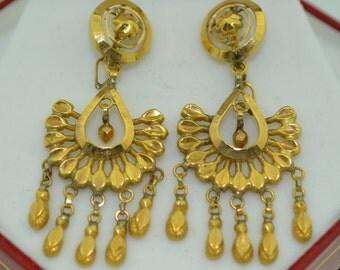 Lovely 18K Yellow Gold Chandelier Dangle Drop Earrings