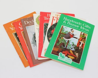 80's Current Craft Booklets / Lot of Seven (7) / Christmas Crafts / Homemade Gifts