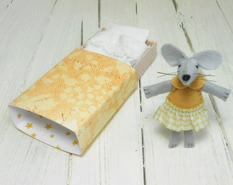 Nursery decor kids gift small felt mouse in matchbox miniature plush waldorf doll mouse with bed caramel beige minnie mouse birthday
