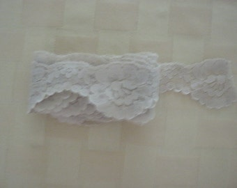 """Lovely Vintage Beige Scalloped Lingerie Lace 1.5"""" Wide Four Plus Yards"""
