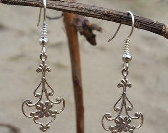 Antique Style Silver Filigree Flower Earrings