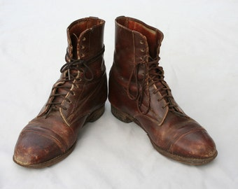 Size 6 Antique 1940s Distressed Leather Lace up Granny Ankle Boots