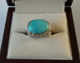 Vintage Sterling Silver and Turquoise Ring Size 7
