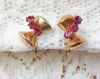 Sweet Vintage Hourglass Shaped Gold Tone Earrings with Pink Rhinestone Accents Screw Back Earrings, Dimensional Hourglasses, Rhinestones,