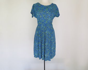 LUCKY CHARM // shelton stroller 50s or 60s graphic day dress