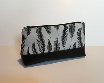 MakeUp / Cosmetic Bag with waterproof lining feathers black and white and faux Leather
