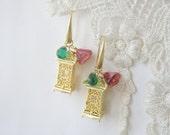 Lantern Earrings, Asian style earrings, Pagoda earrings, Chinese style earrings, Gold earrings, Distinctive earrings