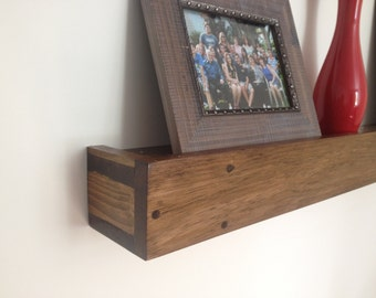 Floating plate or picture rail,  shelf