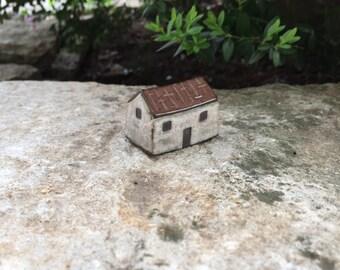 Little Clay House/White Irish Cottage/Ceramic House