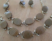 Vintage costume jewelry  /  thermoset necklace , bracelet , clip on earrings