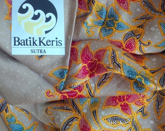 Authentic Indonesian Batik Silk fabric with beautiful flowers pattern - Vintage Batik Keris Sutra - Traditional Indonesian fabric - scarf