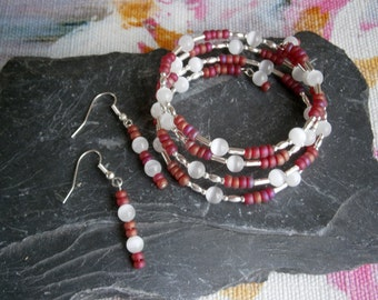 Memory wire cuff bracelet & earring set White Cats eye and red seed glass beads  Jewellery Jewelry