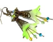 Lucite Trumpet Flower Earrings - Two tone lime green lilies -  Brass Filigree Cone