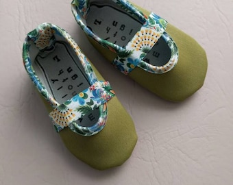Baby Girls Vegan Mary Jane's in Moss Floral