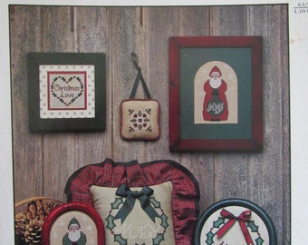 Hollyberry Noel/Counted Cross Stitch Pattern/Graph/1986/Christmas Decorations/Pillow/Ornaments/Wall Hanging/Holiday Designs